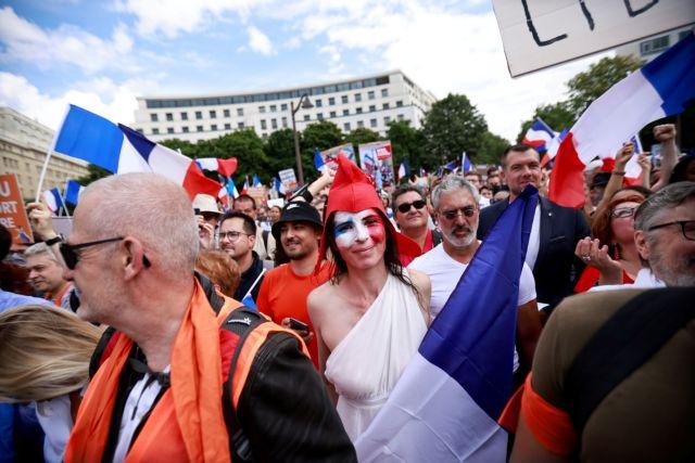 Γαλλία – Επεισόδια στις διαδηλώσεις εναντίον του υγειονομικού πιστοποιητικού