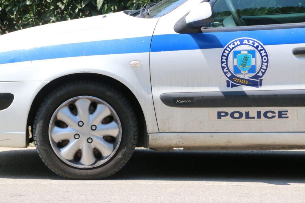 Θεσσαλονίκη – Ανατράπηκε όχημα που μετέφερε μετανάστες
