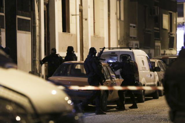 Σκηνές φαρ ουέστ στο Περιστέρι – Ανταλλαγή πυροβολισμών και τρεις τραυματίες