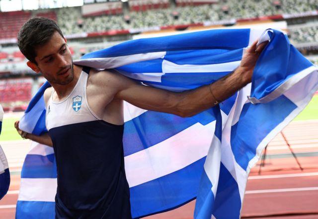 Τεντόγλου – Το Τόκιο χόρεψε συρτάκι για τον «ιπτάμενο» χρυσό Ολυμπιονίκη