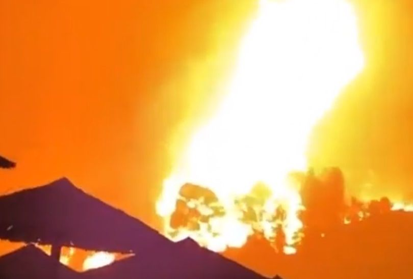 «Θα καεί ολόκληρη η Αγία Άννα» – Κραυγή αγωνίας από τους κατοίκους