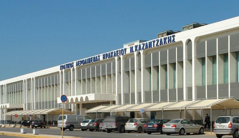 Ηράκλειο – 19 συλλήψεις στο αεροδρόμιο για πλαστογραφία πιστοποιητικών