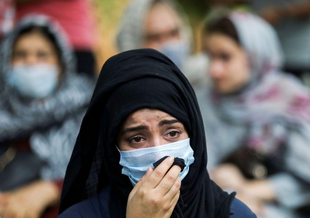 Αφγανιστάν – Η εικόνα των γυναικών «ξεθωριάζει» στους δρόμους της Καμπούλ