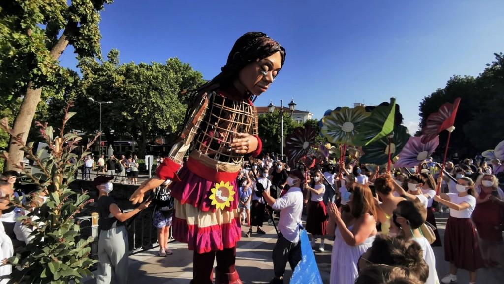 Θερμή υποδοχή της μικρής Αμάλ στα Τρίκαλα