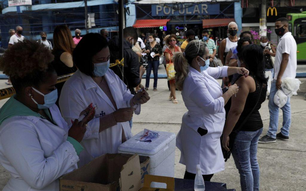 Ανασαίνει η Βραζιλία – Μεγάλη μείωση θανάτων και κρουσμάτων από τα εμβόλια