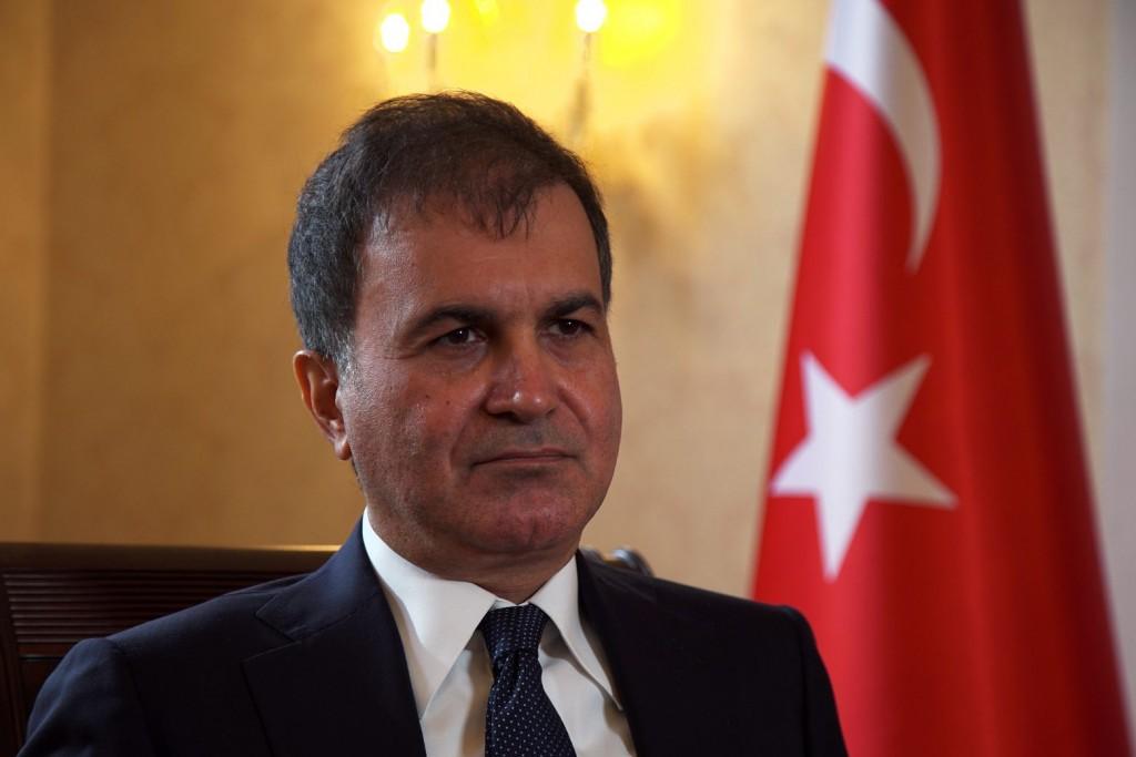 Τουρκία – Νέο παραλήρημα Τσελίκ – «Οι βάρβαροι Έλληνες οδηγούν τους πρόσφυγες σε θάνατο»