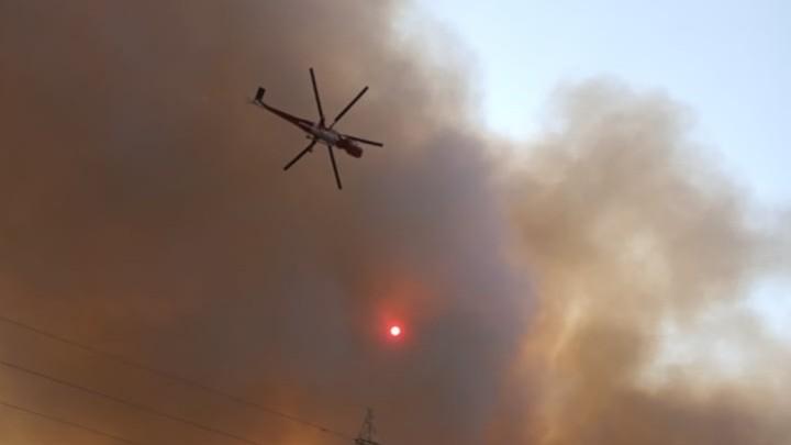 Ρόδος – Μάχη με τις αναζωπυρώσεις δίνουν πυροσβέστες και εθελοντές στο νησί