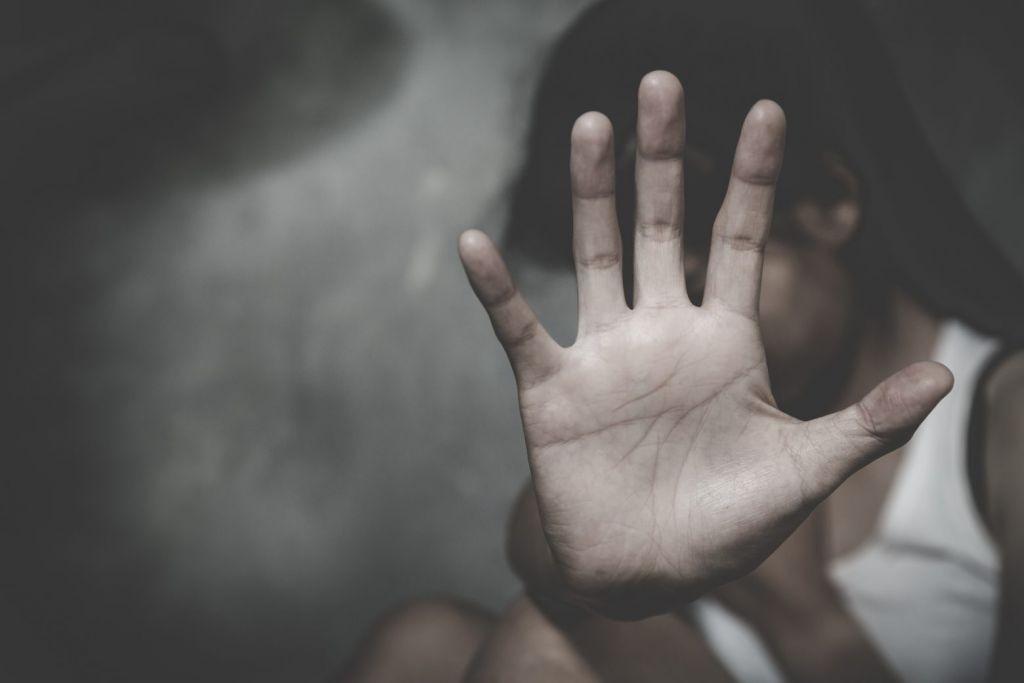 Στους 2.214 ανήλθαν οι συλληφθέντες για περιστατικά ενδοοικογενειακής βίας το 2020