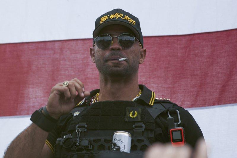 ΗΠΑ – Στη φυλακή ο ακροδεξιός Ενρίκε Τάριο για καταστροφή πανό με το σύνθημα Black Lives Matter