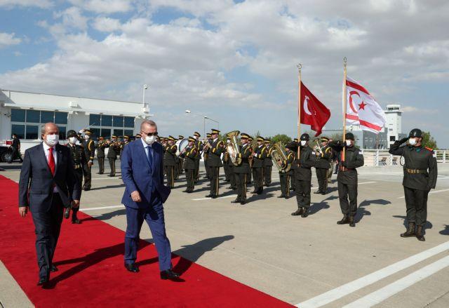 Διαμαρτύρεται ο Τατάρ επειδή του αφαίρεσαν το κυπριακό διαβατήριο