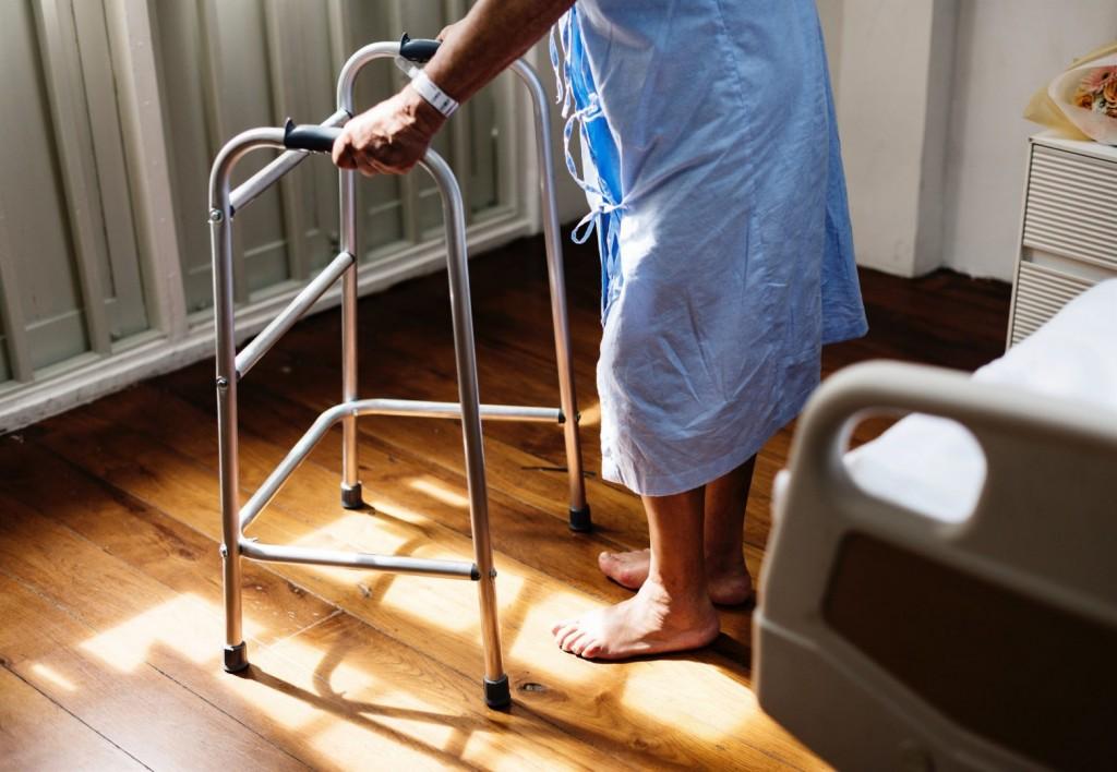 Τεχνητή νοημοσύνη θα παρακολουθεί ασθενείς που χρειάζονται φροντίδα στο σπίτι