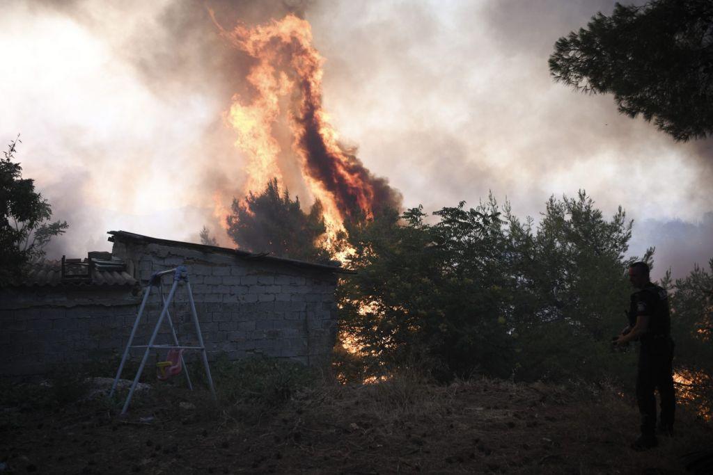 Λέκκας – Οι τρεις λόγοι που η φωτιά στη Βαρυμπόμπη εξαπλώθηκε