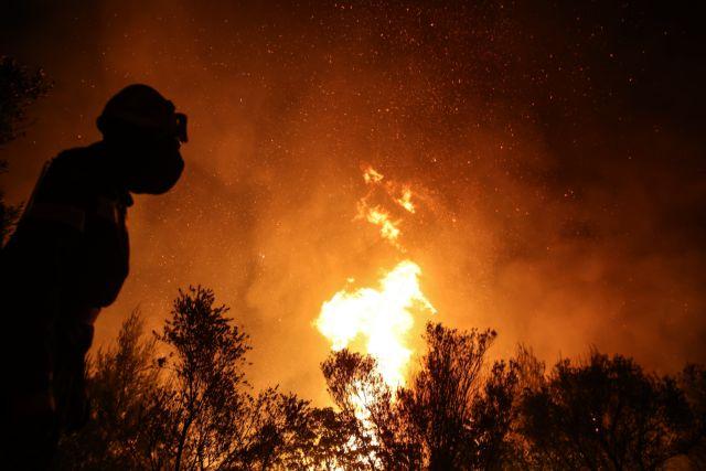 Φωτιά στη Φωκίδα – Εκκενώνεται ο Τολοφώνας – Μήνυμα από το 112