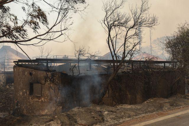 Φωτιά στην Αχαΐα – Κυβερνητικό κλιμάκιο αύριο στην Πάτρα για τις καταστροφές
