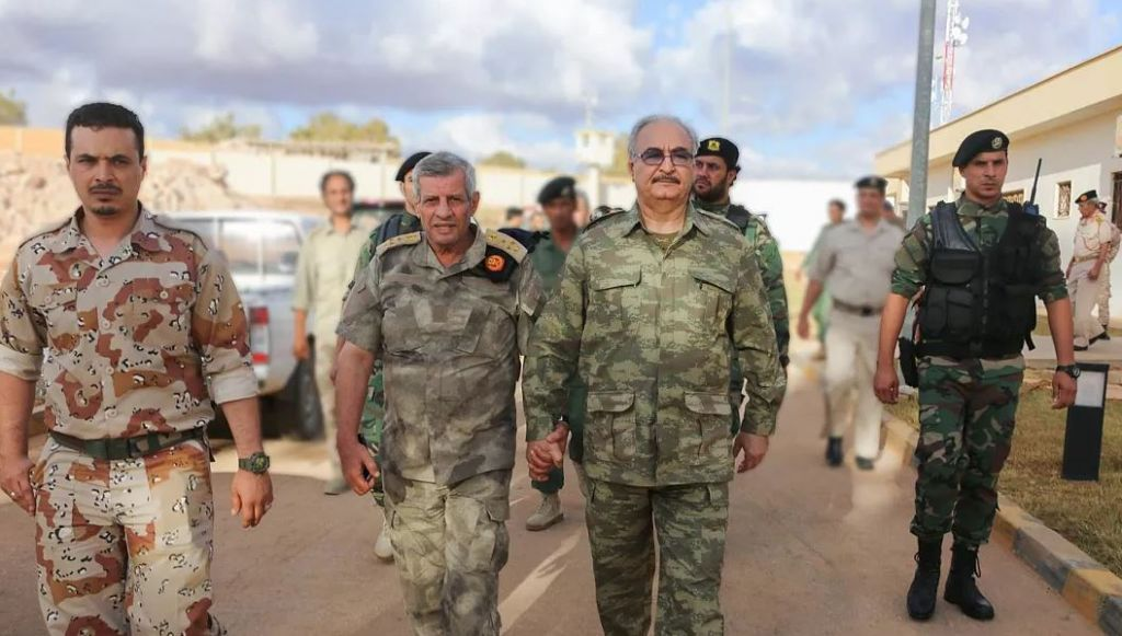 Λιβύη – Συνάντηση του Χάφταρ με τον αμερικανό πρέσβη
