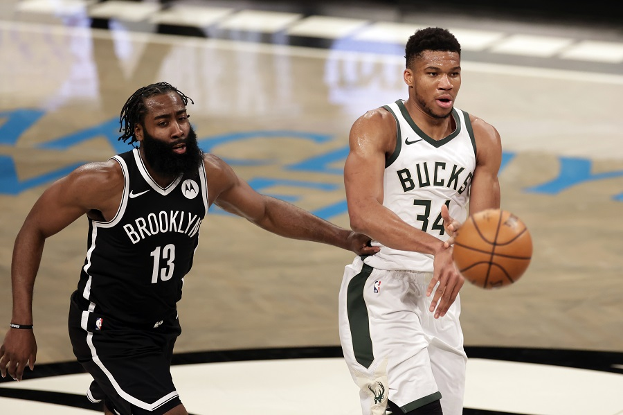 NBA – Φαβορί οι Μπακς στην πρεμιέρα με τους Νετς