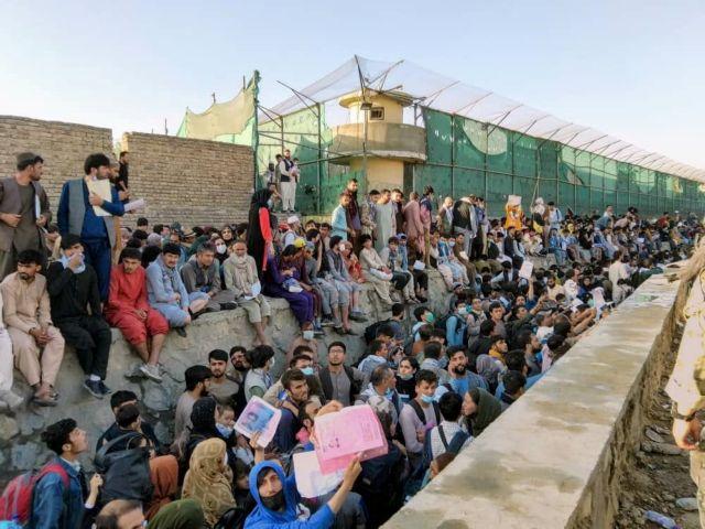 Αφγανιστάν – Φόβοι για επικείμενη επίθεση αυτοκτονίας στο αεροδρόμιο της Καμπούλ