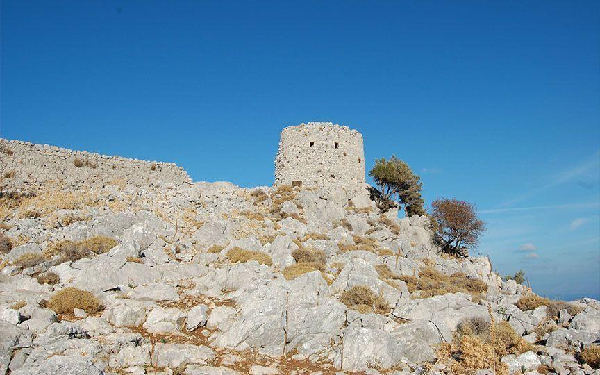 Καρδάμυλα Χίου – Ανεβαίνοντας στο κάστρο της Γριάς