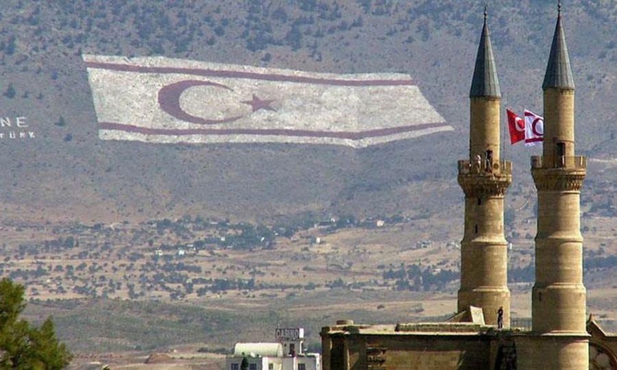 Ο Ερντογάν τουρκοποιεί τα κατεχόμενα – Στέλνει ακόμα και «εντάλματα» – Αντιδρούν οι Τουρκοκύπριοι