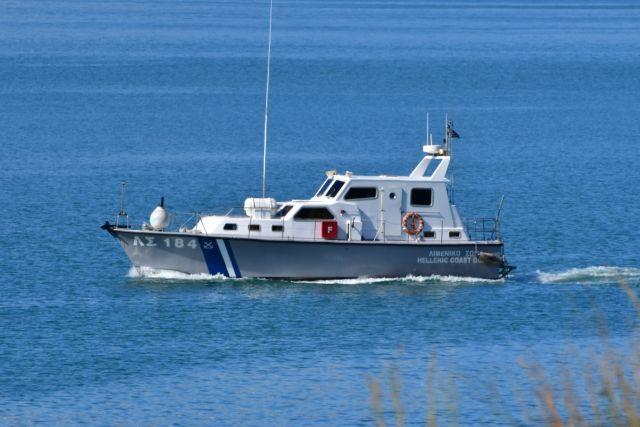 Μήλος – Εντοπίστηκε σκάφος με 124 αλλοδαπούς ανοιχτά του νησιού