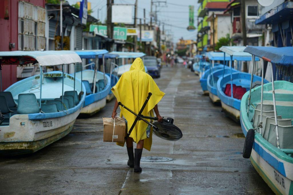 Μεξικό – Απειλεί το ανατολικό τμήμα της χώρας ο ισχυρός κυκλώνας Γκρέις