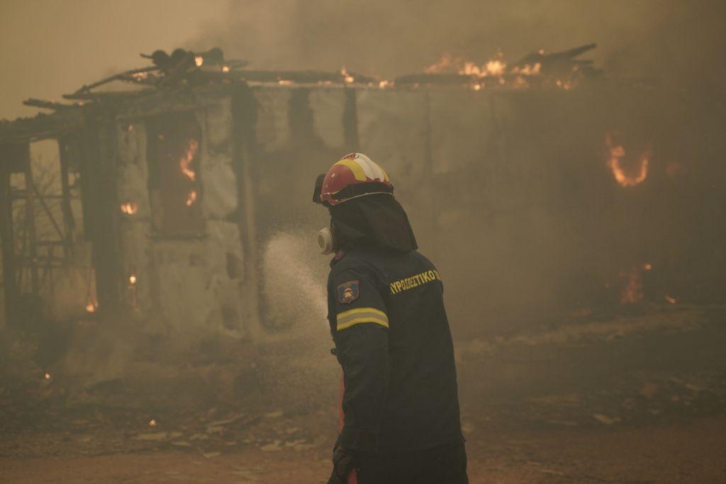 Πυροσβέστες – Όχι άλλα ευχαριστήρια – Εμείς κάνουμε το καθήκον μας, κάνετε κι εσείς το δικό σας