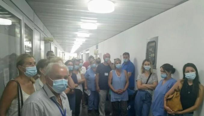 Πάτρα – Κατάληψη για την υποχρεωτικότητα του εμβολιασμού στο νοσοκομείο Άγιος Ανδρέας