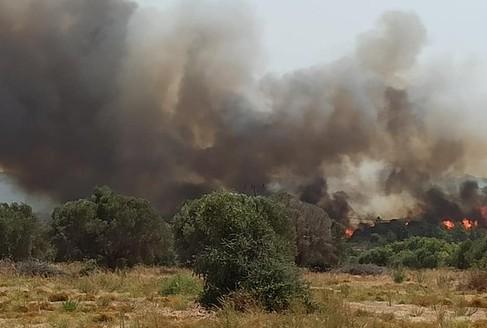 Συναγερμός στην πυροσβεστική – Φωτιά στη Ρόδο – Στη «μάχη» και το ρωσικό Beriev-200