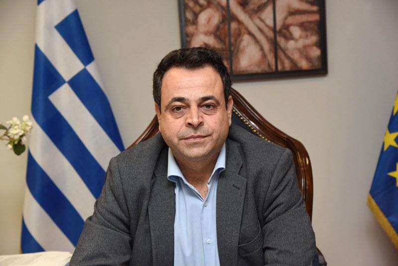 Σαντορινιός: Ανίκανη η κυβέρνηση να αποτρέψει τα τουρκικά αλιευτικά που παραβιάζουν τα ελληνικά χωρικά ύδατα στο Αιγαίο