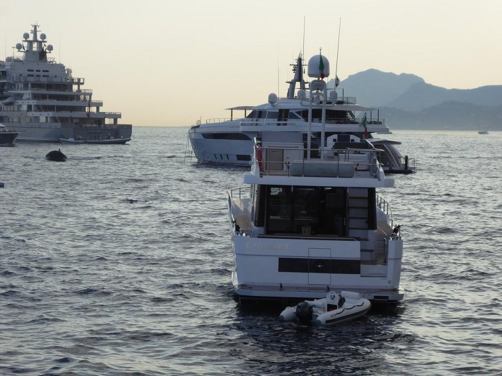 Οι λάτρεις των σούπερ-γιοτ έβαλαν πλώρη για την Ελλάδα για να ξεφύγουν από την πανδημία