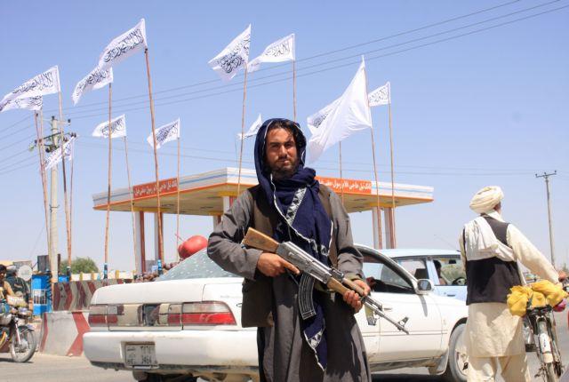 Βία και διπλωματία – Το διπλό πρόσωπο των Ταλιμπάν και το… φλερτ από Ανατολή και Δύση