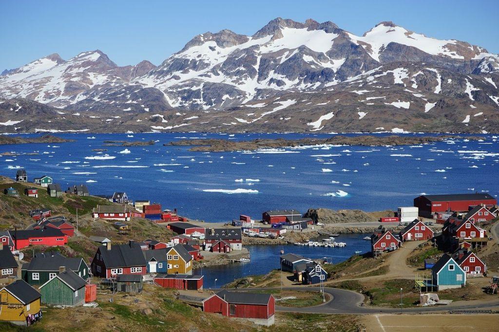 Βροχή αντί για χιόνι έπεσε για πρώτη φορά στην κορυφή της Γροιλανδίας