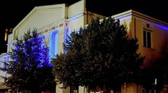 Γρεβενά – Φωταγωγημένο για τρεις ημέρες το δημαρχείο της πόλης για τον «χρυσό» Τεντόγλου