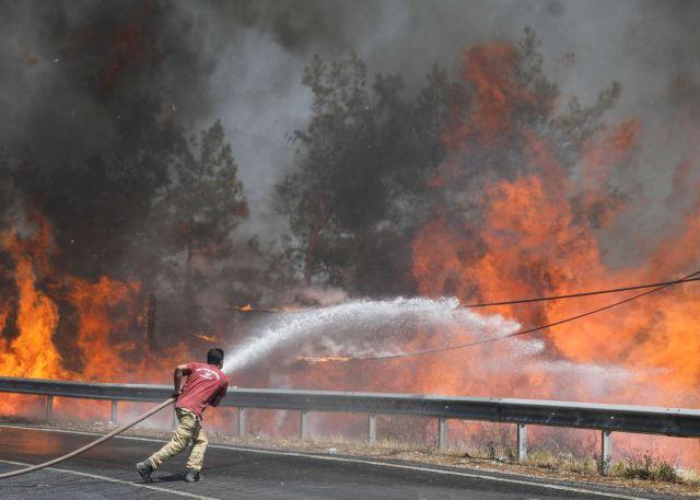Τουρκία – Στους οκτώ οι νεκροί από τις δασικές πυρκαγιές