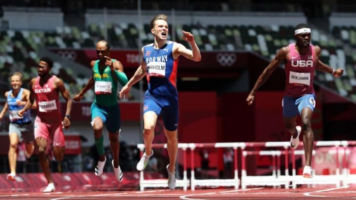 Απίστευτος ο Βάρχολμ, πήρε το χρυσό μετάλλιο ισοπεδώνοντας το παγκόσμιο ρεκόρ με 45.94