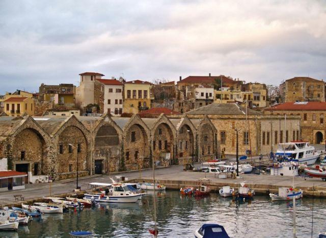 "Zakynthos and Chania in the ""red"" – Mykonos type ""mini"" lockdown applied"