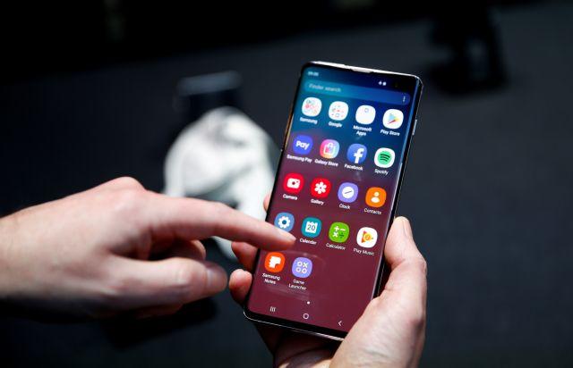 Με αστερίσκους η μείωση τελών στα κινητά