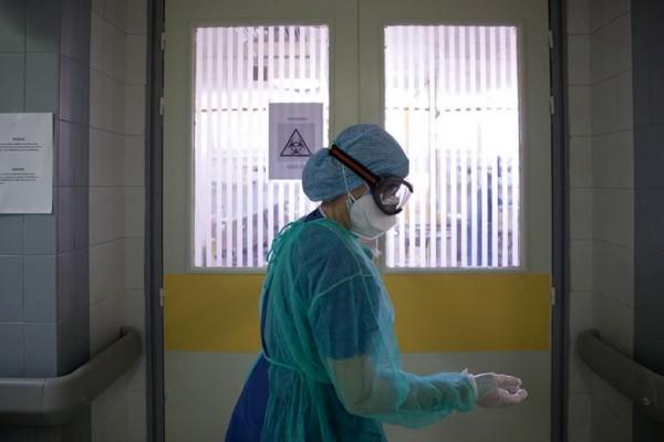 Ζευγάρι πέθανε με διαφορά ωρών από κοροναϊό – Διασωληνωμένος ο γιος – Κανείς δεν είχε εμβολιαστεί