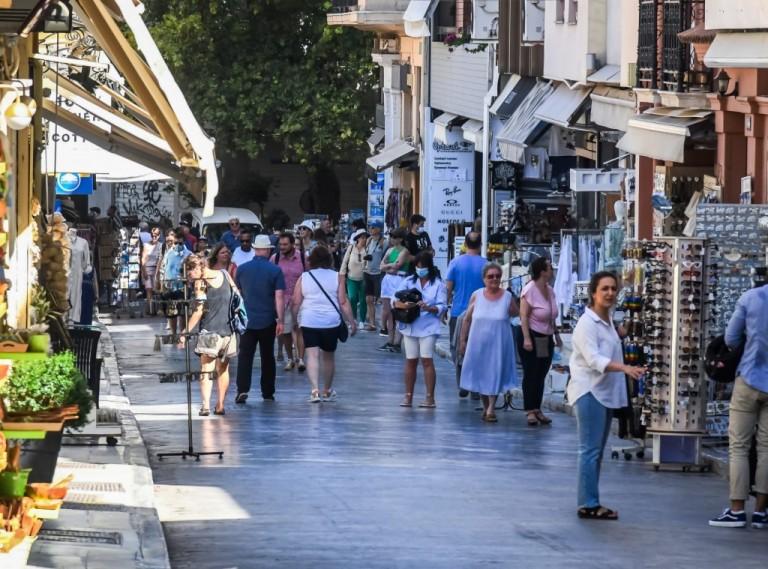 Κοροναϊός – Επισφαλής η όποια πρόβλεψη για την πανδημία – Σε ποιες περιοχές ξημερώνει μίνι «lockdown»