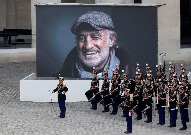 Ζαν Πολ Μπελμοντό – Υπό τους ήχους του Μορικόνε αποχαιρέτισε η Γαλλία τον δικό της «Μπεμπέλ»