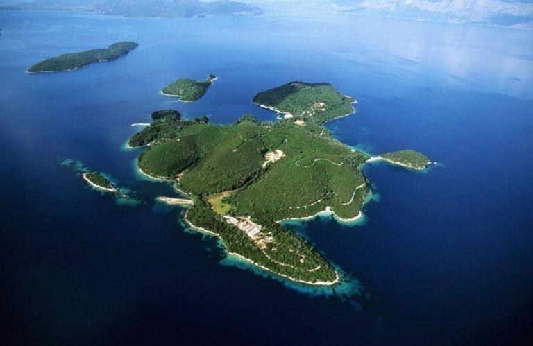 Σκορπιός – Επιχορήγηση 4,3 εκατ. ευρώ στον μεγιστάνα ιδιοκτήτη του νησιού για το 5αστερο ξενοδοχείο
