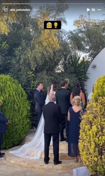 Παντρεύτηκαν ο Άκης Πετρετζίκης και η Κωνσταντίνα Παπαμιχαήλ! (pics & vid)   2 14
