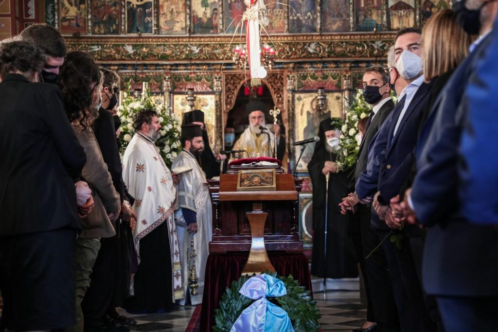 Μίκης Θεοδωράκης – Η Ελλάδα υποκλίθηκε στον οικουμενικό Έλληνα – Πέρασε στην αιωνιότητα