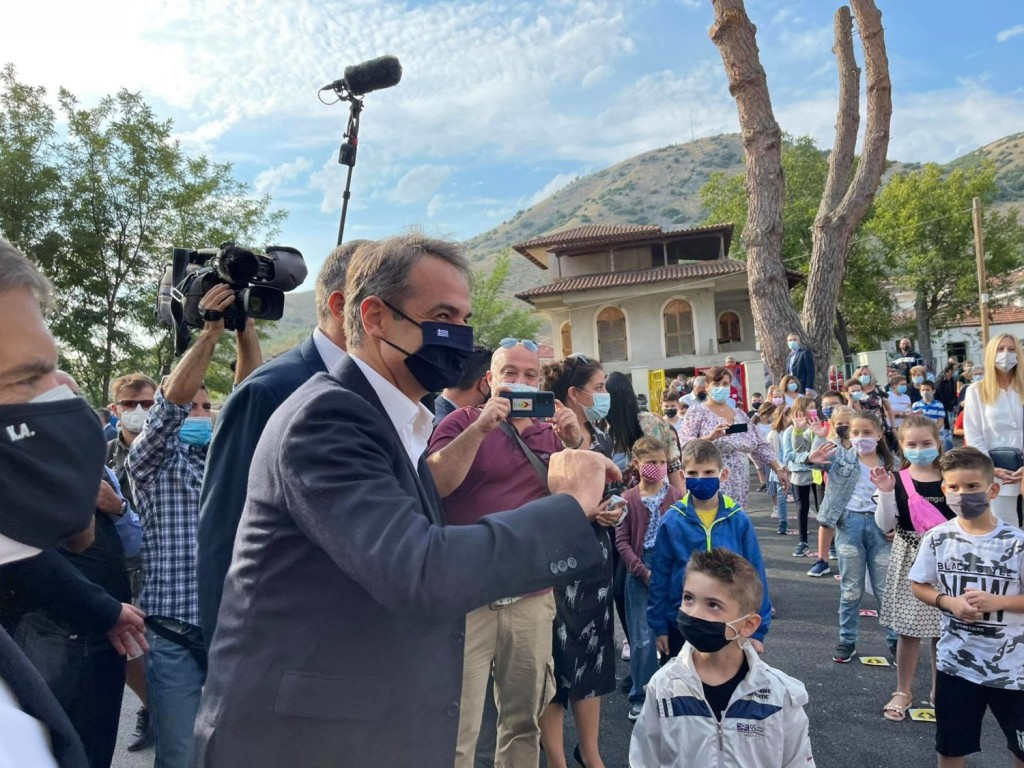 Μητσοτάκης – Εγκαινίασε το νέο σχολείο στο Δαμάσι