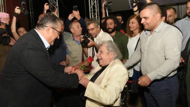 Θεοδωράκης – Θέλω να αφήσω τον κόσμο αυτόν σαν κομμουνιστής – Τι είχε ζητήσει από τον Δ. Κουτσούμπα