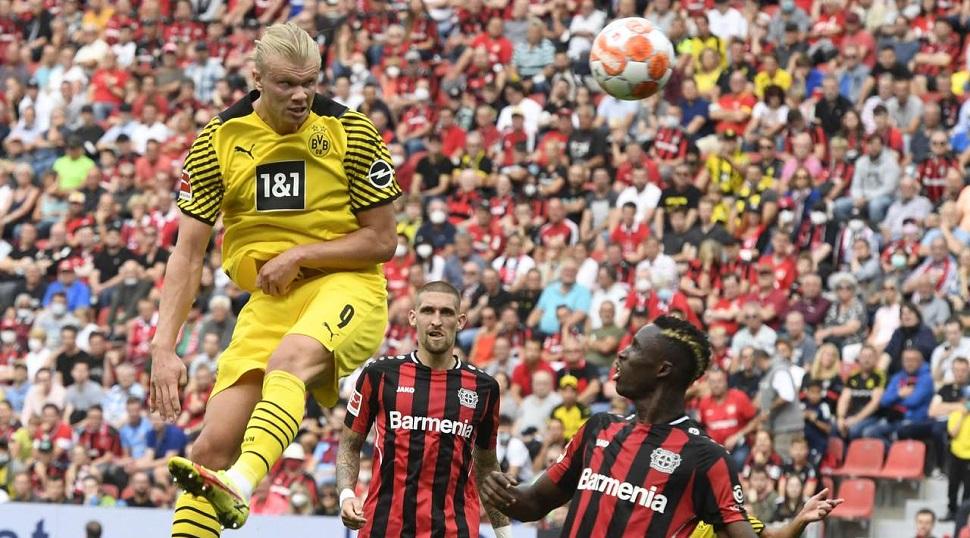 Παρέμεινε στην κορυφή η Βόλφσμπουργκ (0-2), σπουδαία εκτός έδρας νίκη για Ντόρτμουντ (3-4)