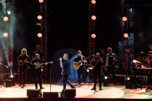 Αντώνης Ρέμος – Sold out οι συναυλίες του σε Αθήνα και Θεσσαλονίκη