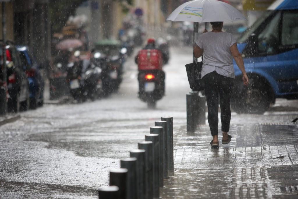 Καιρός – Βροχές και καταιγίδες και τη Δευτέρα – Δείτε πού θα «χτυπήσουν»
