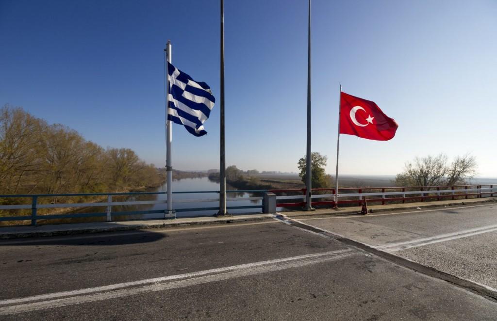 Τουρκία – «Η Αθήνα μιλά για ειρήνη, αλλά αγοράζει φρεγάτες από τον Μακρόν»
