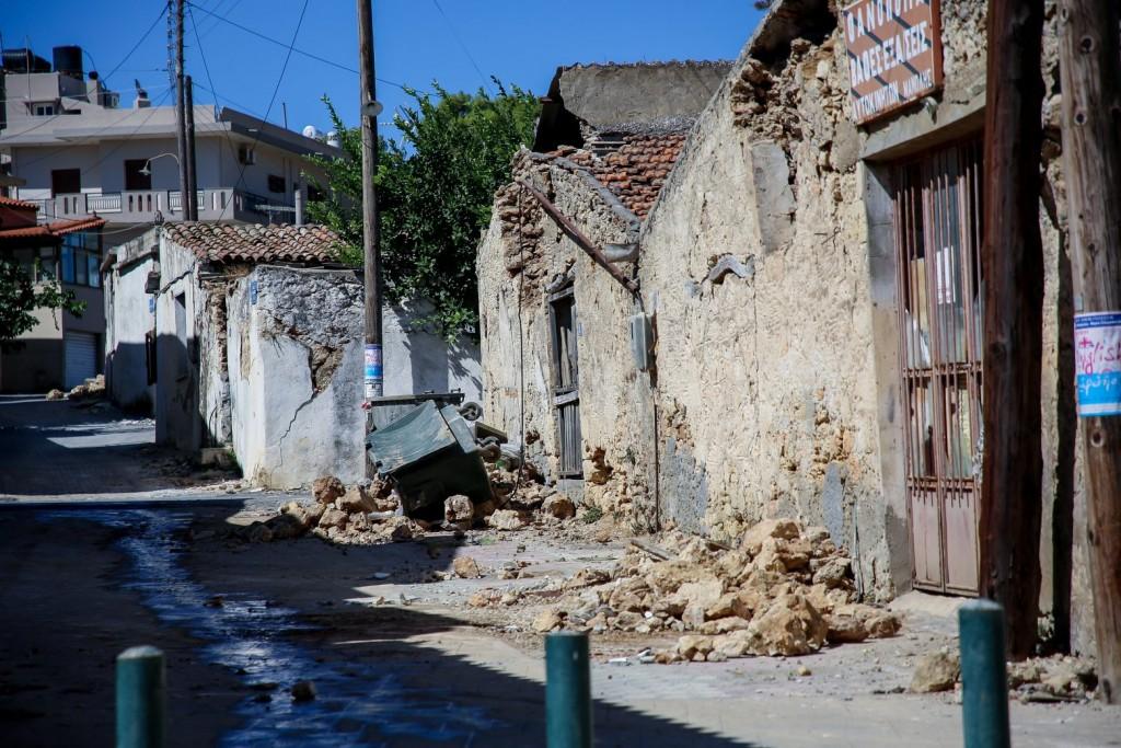 Παπαδόπουλος – Οι πρωινοί σεισμοί στη Ρόδο δεν σχετίζονται με αυτούς στην Κρήτη